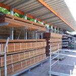 Kragarmregal mit Dach